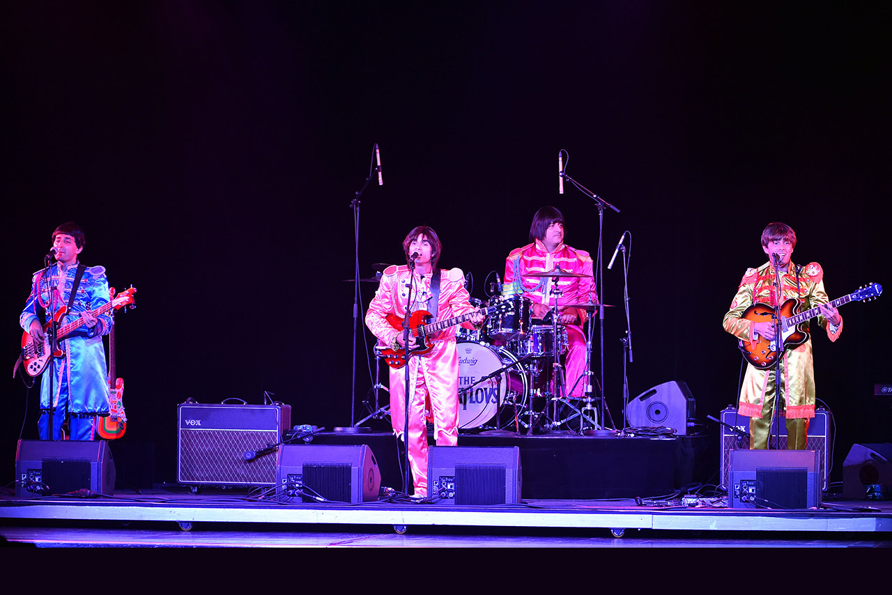 The Beatlovs _ Beatles tribute band 1